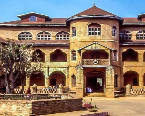Le-Palais-du-sultan-de-Foumban-au-Cameroun